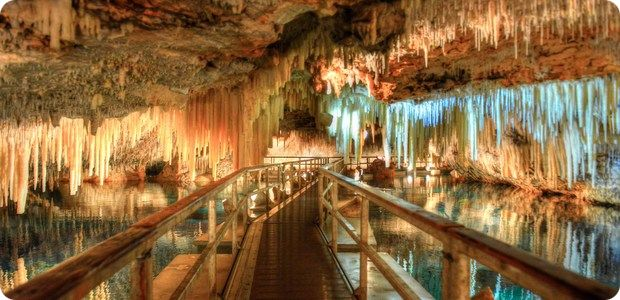 r Crystal-Caves-Bermuda