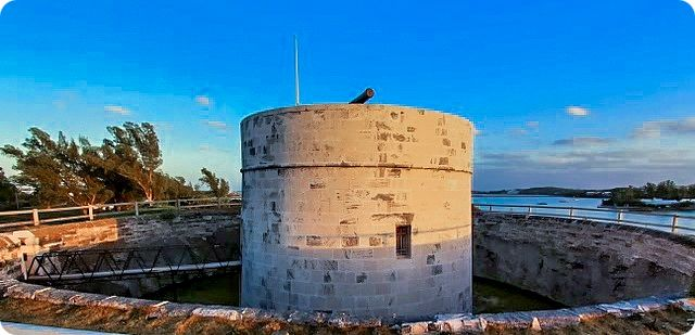 r Martello-Tower-Bermuda