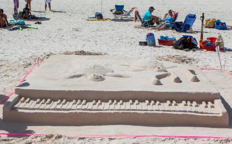Bermuda Sandcastle Contest 2013 (2)