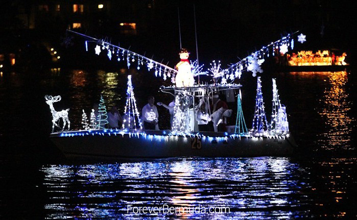 Boat-Parade-Hamilton-Harbour-Bermuda-December-10-2011-1-28 (2)