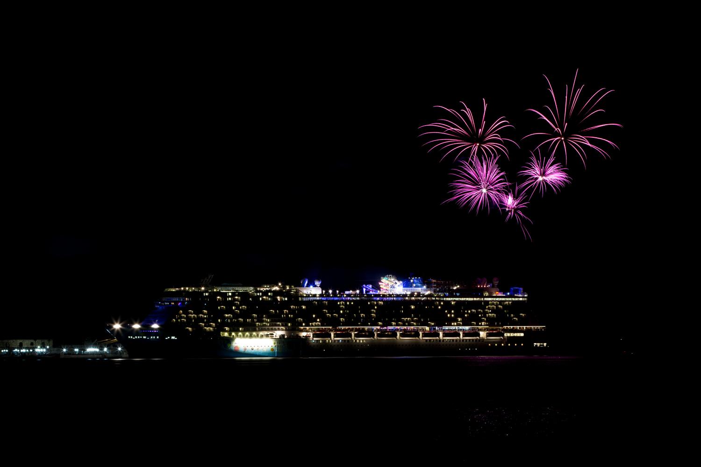 Norwegian Breakaway Cruise Fireworks In Dockyard Bermuda, July 4 2013- (7)