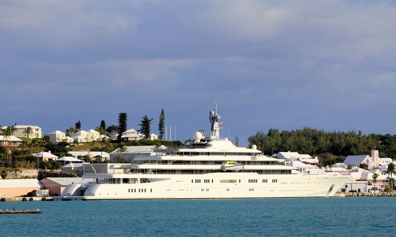 The-Motor-Yacht-Eclipse-Roman-Abramovich-St-Georges-Bermuda-January-29-2013-33