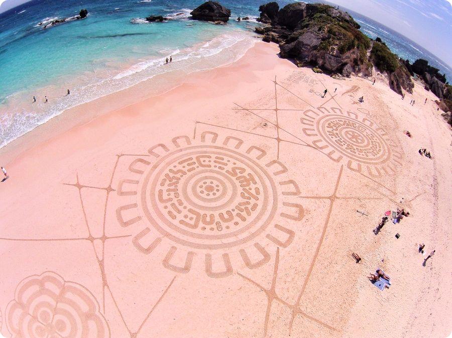r Bermuda-Beach-Art-guest-artist-2014