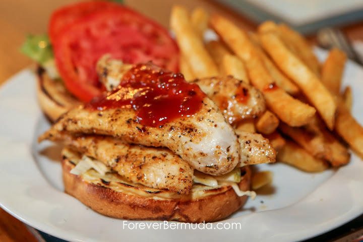 Frog & Onion Pub Bermuda, August 2015-1