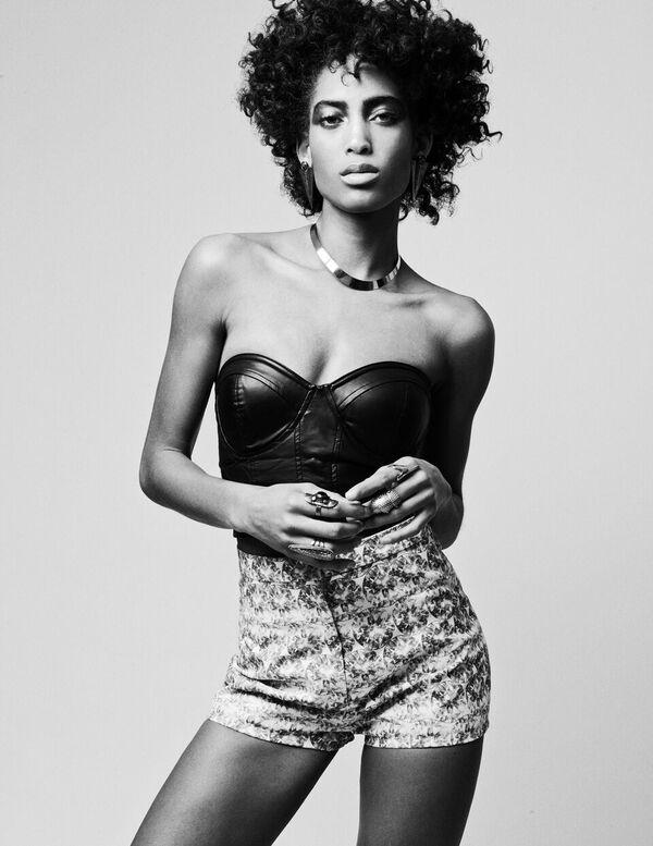 Bermuda-Model-Lily-Lillian-Lightbourn-magazine-Nov-2015-1
