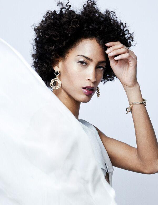 Bermuda-Model-Lily-Lillian-Lightbourn-magazine-Nov-2015-10