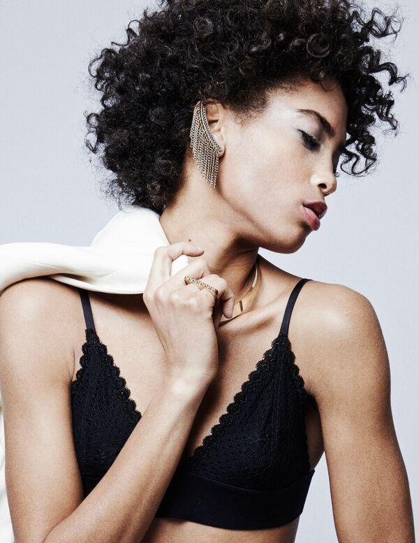 Bermuda-Model-Lily-Lillian-Lightbourn-magazine-Nov-2015-8