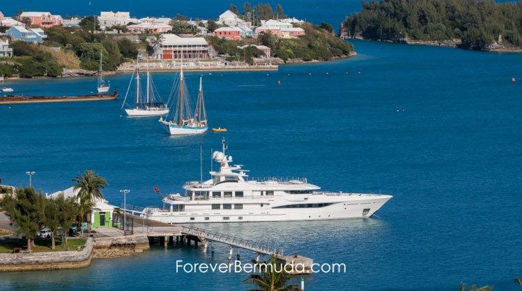 superyacht mega yacht Kamalaya in Bermuda dock