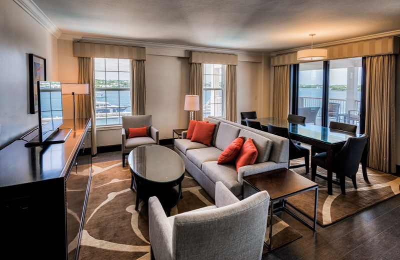 Gold Lounge Suite