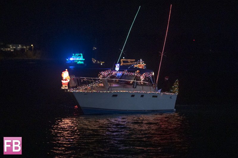 Christmas Boat Parade Sets Sail